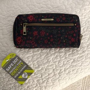 Travelon wallet NEW WITH TAG!!